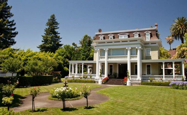 Churchill Manor Bed and Breakfast Image