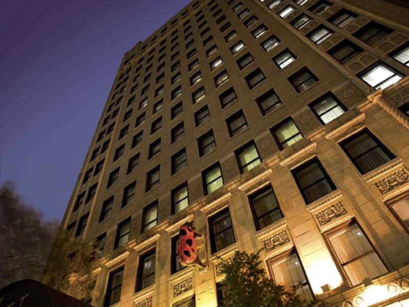 Gay hotels in chicago