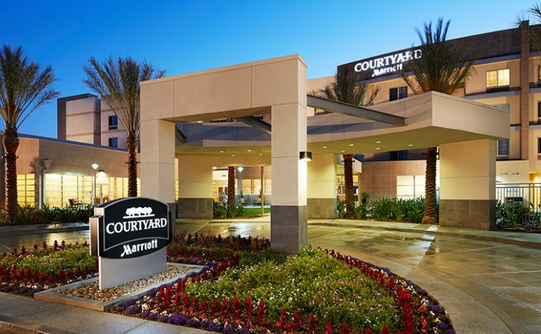 Courtyard by Marriott Long Beach Airport Image