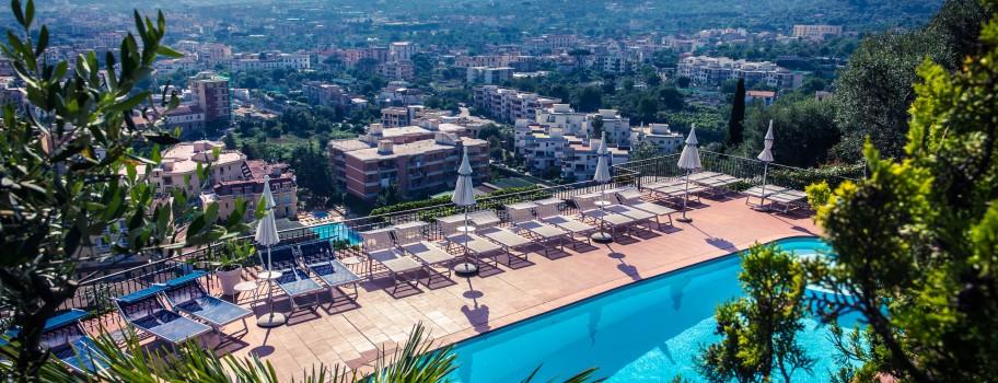 Hotel Cristina Image